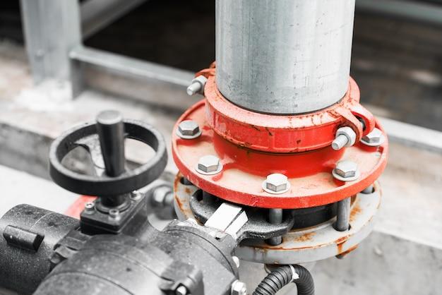 Conduttura dell'acqua in impianto di trattamento delle acque