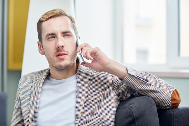Conduzione di trattative telefoniche