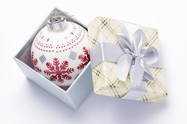 Confezione regalo e ghirlande