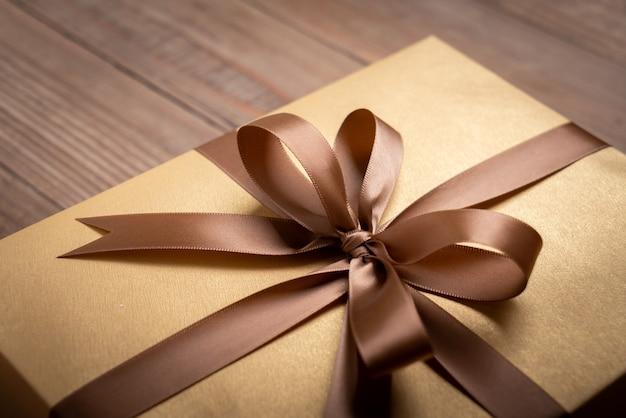 Confezione regalo per decorazione, capodanno e giorno di natale