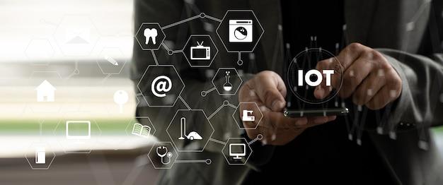 Connessione smart home dispositivo di tecnologia smart home automazione iot house