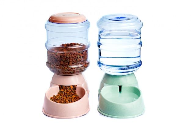 Conservazione dell'acqua per animali domestici o distributore d'acqua