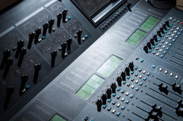 Console di missaggio audio