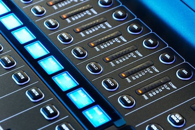 Console di missaggio. mixer audio.