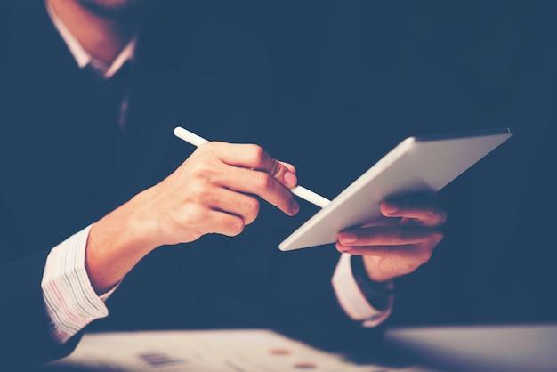 Consultazione di uomini d'affari. per il successo aziendale