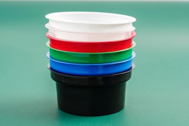 Contenitori in plastica per liquidi alimentari