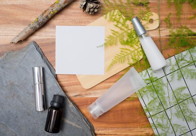 Contenitori per bottiglie di cosmetici naturali