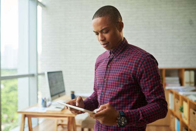 Controllo delle e-mail aziendali