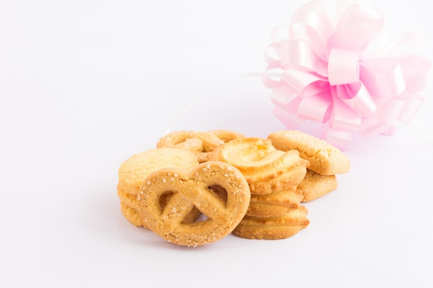 Cookie su sfondo bianco