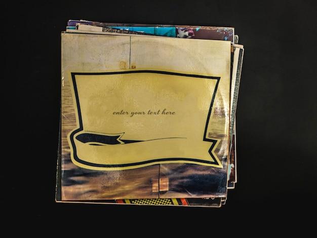 Copertina del disco in vinile bianco con copia spazio per il disegno del testo preimpostato sul nero