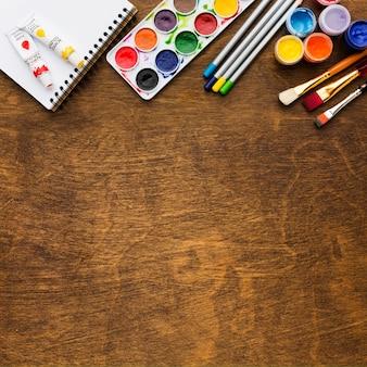 Copia lo sfondo dello spazio e la tavolozza dei colori