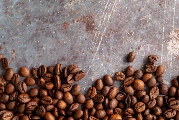 Copia spazio chicchi di caffè vista dall'alto