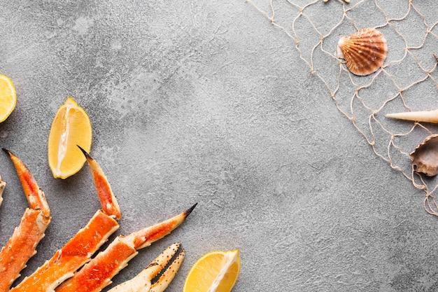 Copia-spazio con aragosta e limone