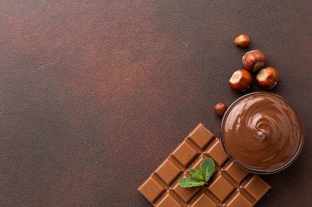 Copia spazio con delizioso cioccolato