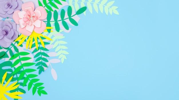 Copia-spazio foglie e fiori ornamentali