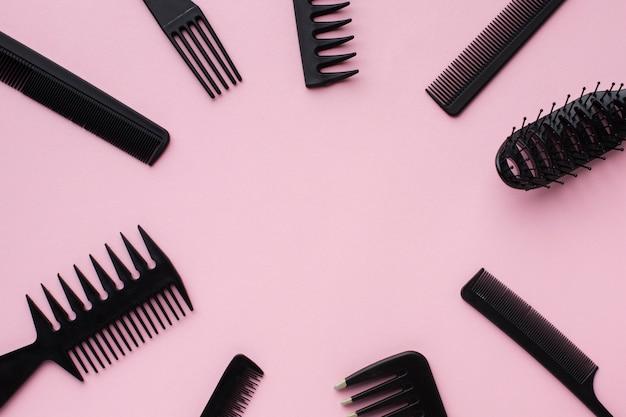 Copia spazio incorniciato da attrezzatura per capelli
