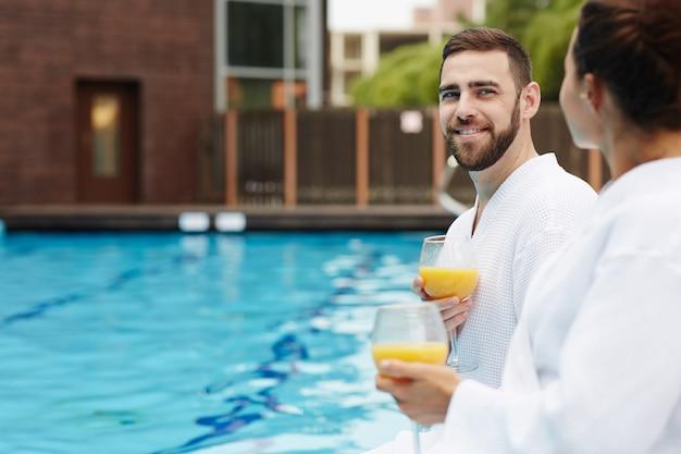 Coppia al resort spa
