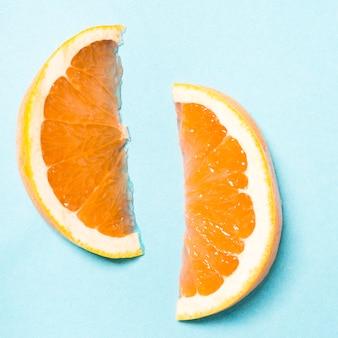 Coppia di fette d'arancia