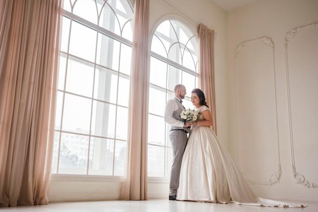 Coppia di sposi in posa