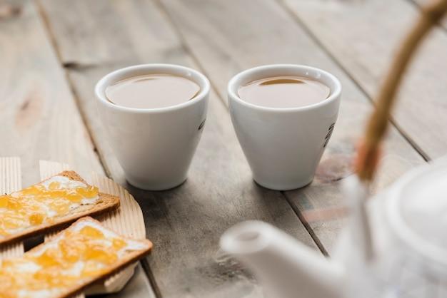 Coppia di tazze da tè