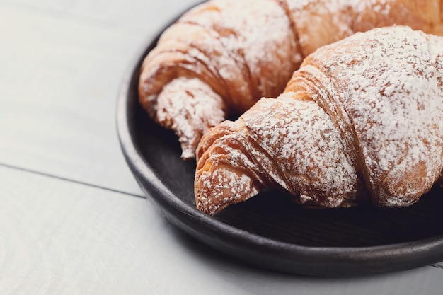 Cornetti con zucchero a velo