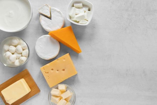 Cornice alimentare con prodotti lattiero-caseari