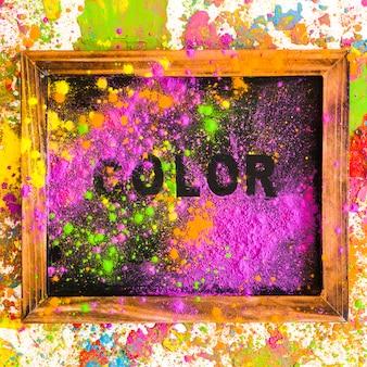Cornice con scritta a colori su colori asciutti e brillanti