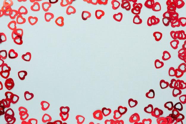 Cornice cuore su sfondo blu. san valentino