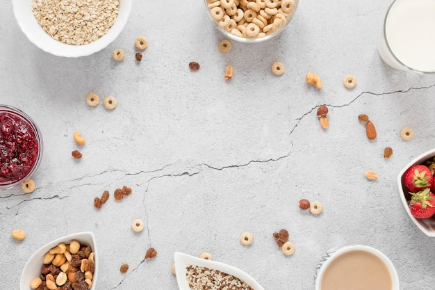 Cornice di cereali e frutta