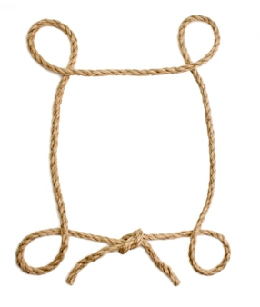 Cornice di corda isolato su uno sfondo bianco
