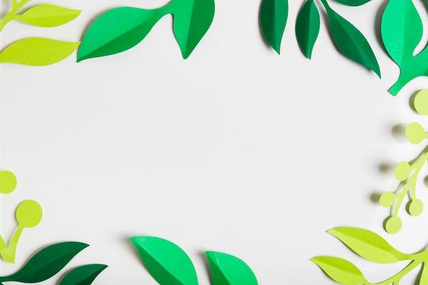 Cornice di foglie di primavera