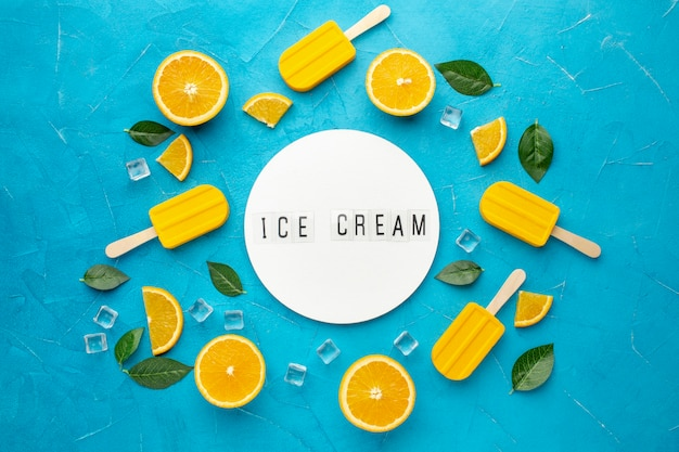 Cornice di gelato al gusto di arancia