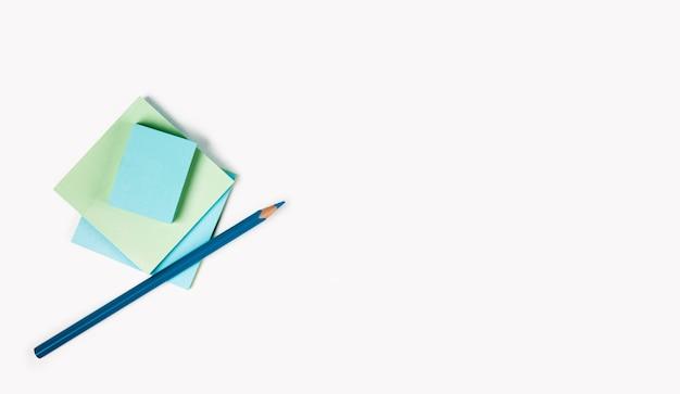 Cornice di note adesive vista dall'alto