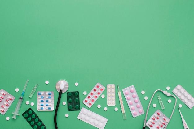Cornice di pillole con copia-spazio