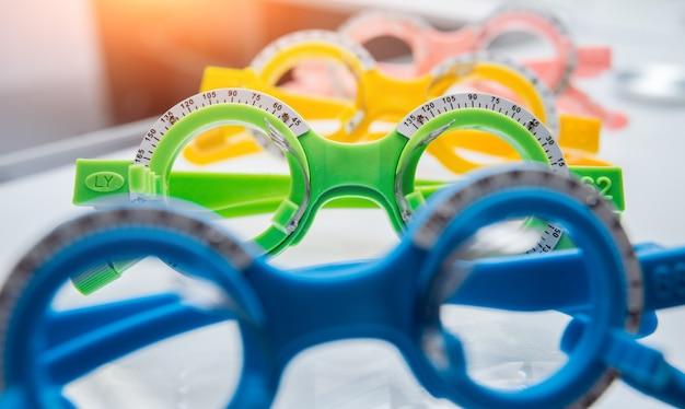 Cornice di prova. occhiali di prova. optometria.