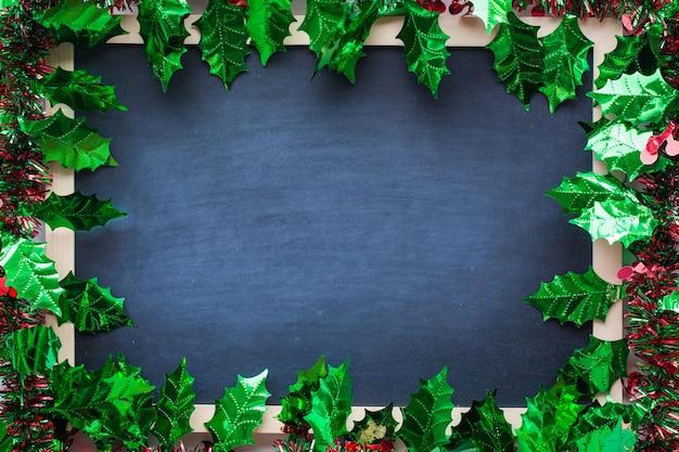 Cornice in abete verde