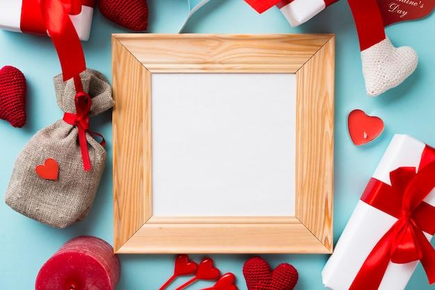 Cornice quadrata tra le cose di san valentino