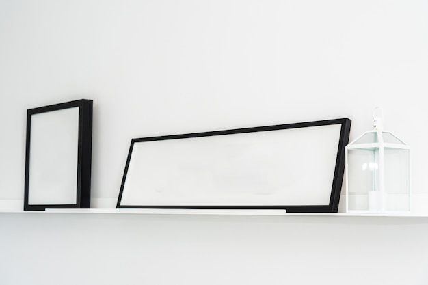 Cornice vuota con interni decorazione della copia spazio