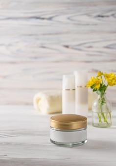 Cosmetici naturali per la cura del viso e del corpo