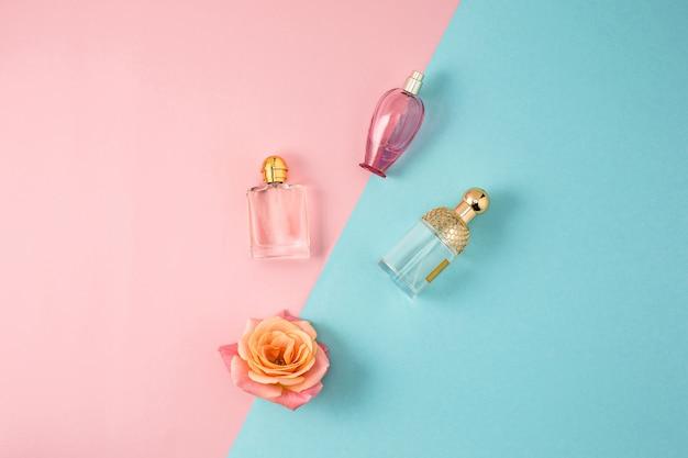 Cosmetici su sfondo colorato moderno