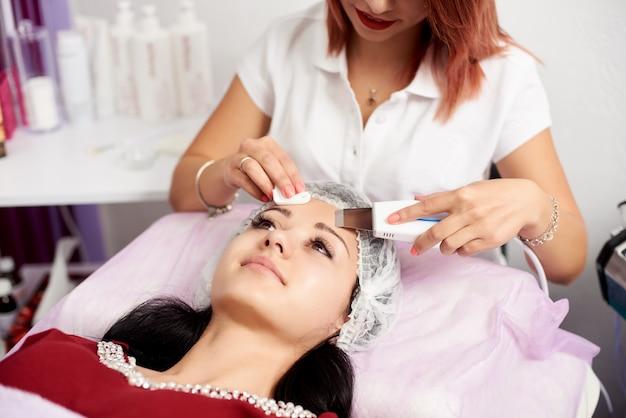 Cosmetologo donna