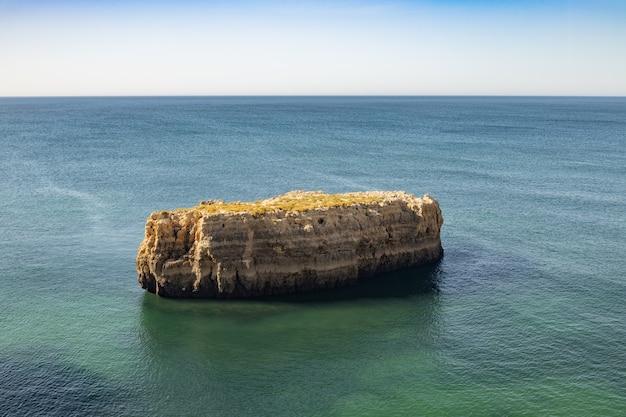 Costa della regione dell'algarve in portogallo.