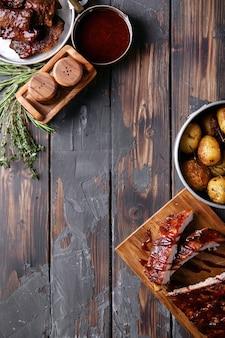 Costine di maiale e manzo fatte in casa
