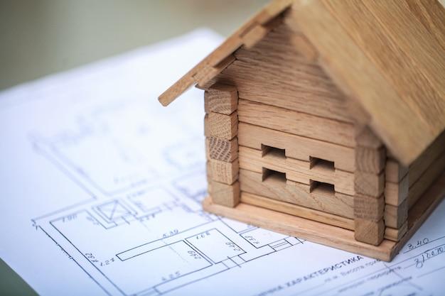 Costruire casa su progetti con piano - progetto di costruzione