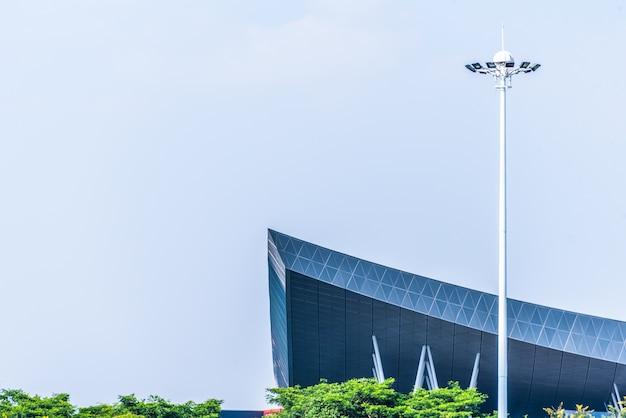 Costruire le luci dei tetti e delle piazze