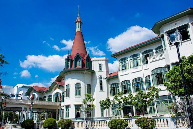 Costruzione europea del castello di stile al palazzo tailandese di phaya, bangkok, tailandia