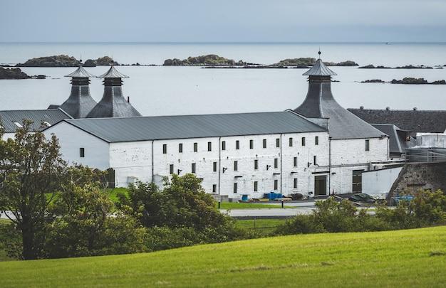 Costruzioni della distilleria di laphroaig.