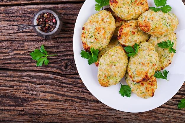 Cotoletta di pollo con zucchine