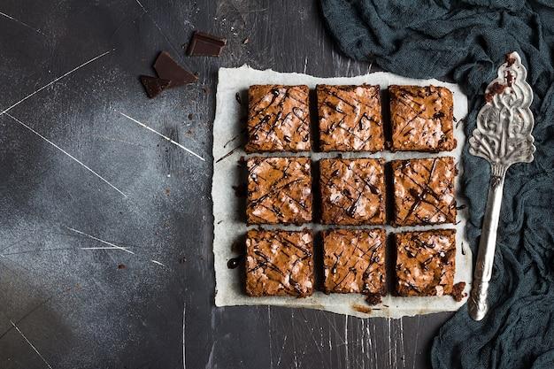 Cottura dolce dei pasticcini casalinghi della torta del pezzo del dolce del brownie del cioccolato
