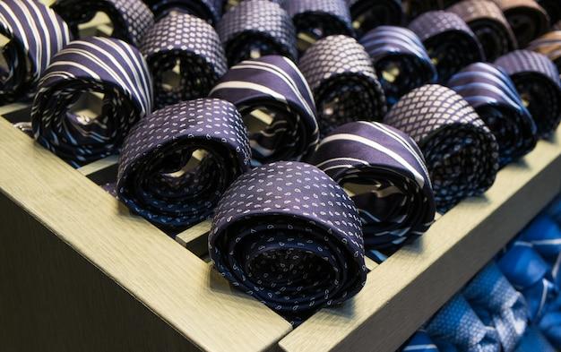 Cravatte maschili per le vendite